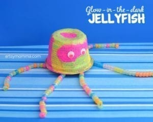glow in the dark jellyfish kid craft - jellyfish kids crafts - ocean kids craft - crafts for kids- kid crafts - acraftylife.com #preschool
