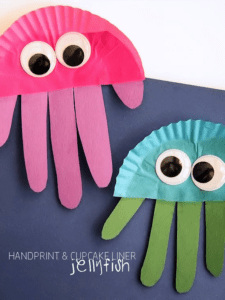 handprint jellyfish kid craft - jellyfish kids craft - ocean kids craft - crafts for kids- kid crafts - acraftylife.com #preschool