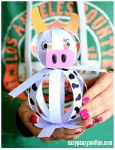 paper cow kid craft - cow kid craft - farm kid crafts - crafts for kids- acraftylife.com #preschool #craftsforkids #kidscrafts