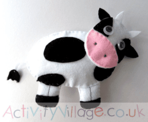 cow softie kid craft - cow kid craft - farm kid crafts - crafts for kids- acraftylife.com #preschool #craftsforkids #kidscrafts
