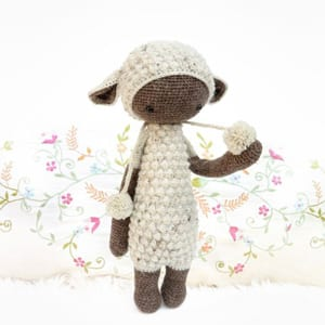 crochet lamb pattern - sheep pattern - A Crafty Life #crochet #crochetpattern #baby #amigurumi
