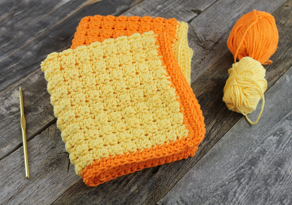 quick crochet gift ideas- crochet pattern - dishcloth crochet pattern - acraftylife.com #crochet #crochetpattern